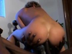 Ass 18 :White Housewife Gets Bbc Treatment
